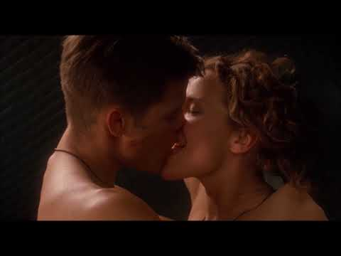 Dina Meyer Tongue Kiss (Starship Troopers) thumbnail