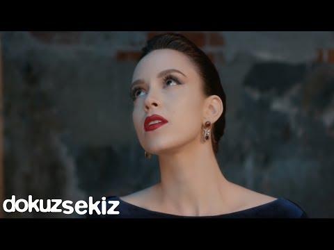 Cansu - Ne Değişti Ki (Official Video)