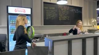 Jazda na snowboardzie na sztucznym stoku narciarskim – Gdańsk video