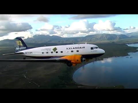 Awesome DC-3 Flying