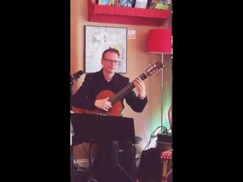 Andrew Scott plays Pachelbel - Canon in C (at Café Adagio gig Friday 3 June 2016)