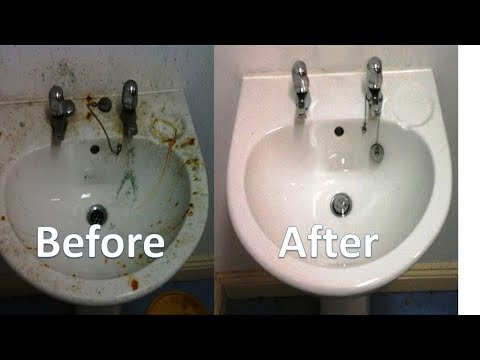 How To Clean Your Kitchen Sink Naturally With Baking Soda & Vinegar