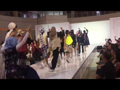 oppening fashion show INDONESIA SPORTS FASHION WEEK