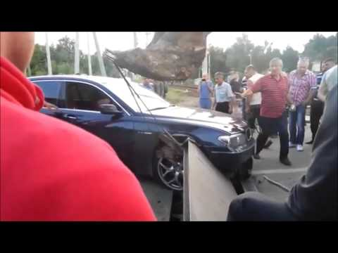 BMW на переезде