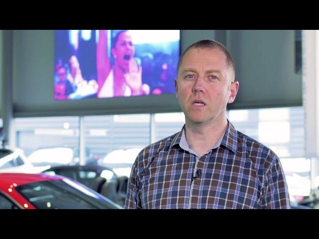 Interview // Erwan Riou (Directeur du Centre Porsche Rennes)