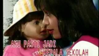 Susan & Ria Enes - Susan Masuk Sekolah