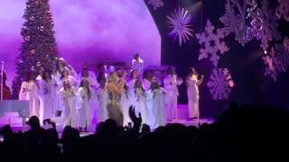 Joy to the world Mariah Carey live 2015 hits high notes