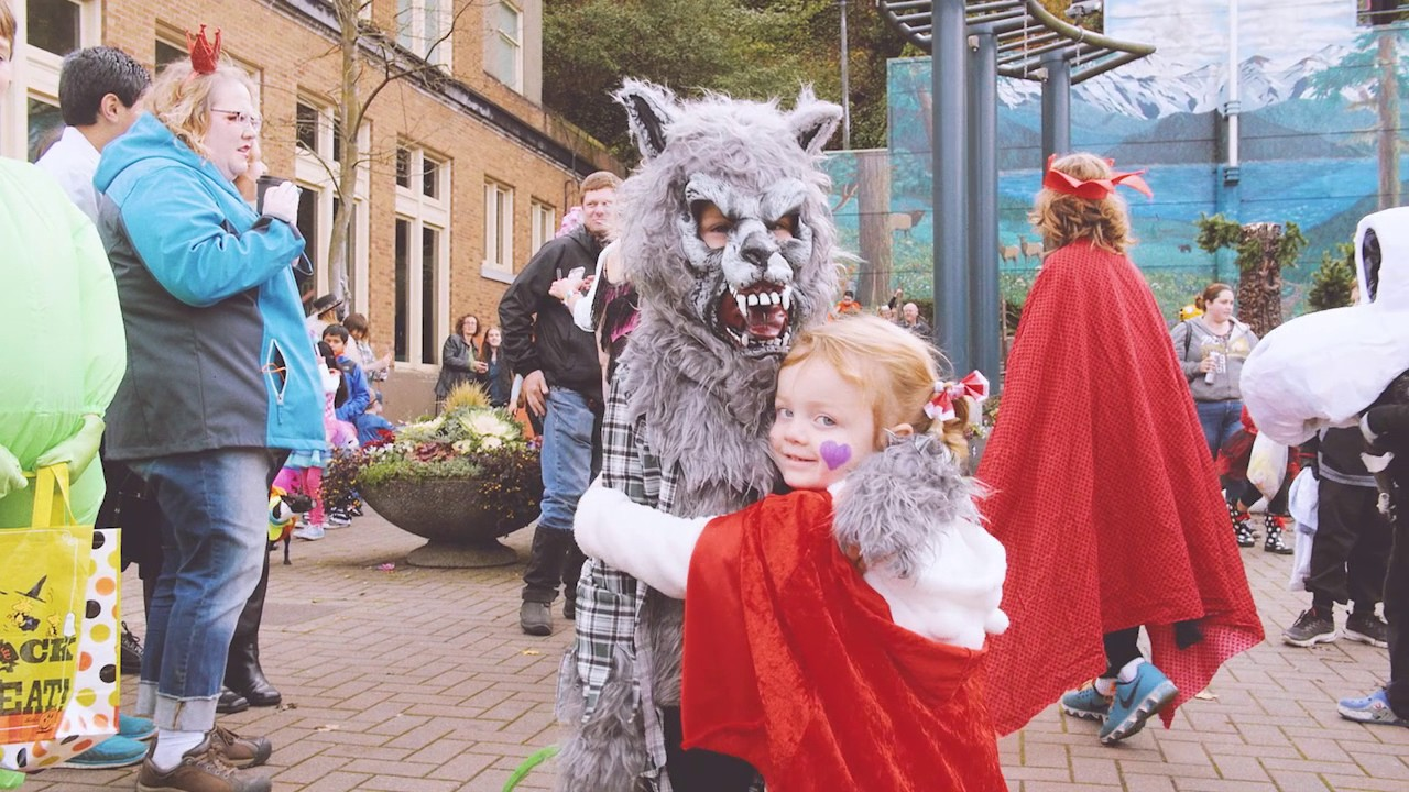 downtown port angeles washington - a trick-or-treat halloween event