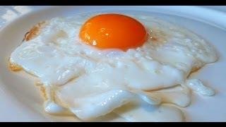 Идеальный способ приготовить классическую яичницу-глазунью (солнечной стороной вверх)