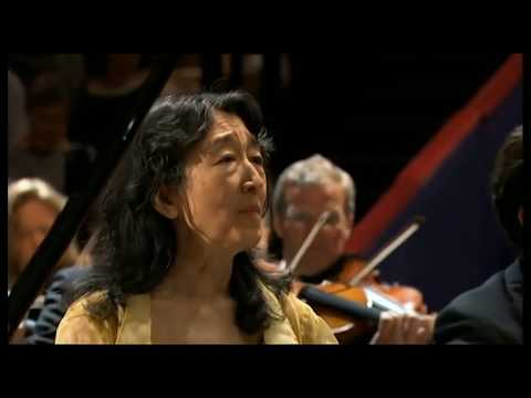 MITSUKO UCHIDA ~ Beethoven Piano Concerto # 4 / Bavarian Radio Symphony  REVISED HD audio video
