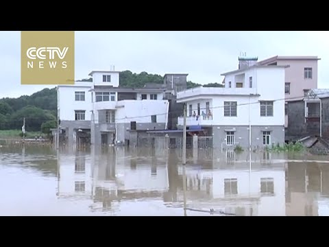 Heavy flooding affects 670,000 in Guangxi, Guangdong