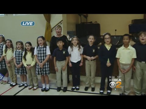 Ron Smiley Visits Mary Of Nazareth School