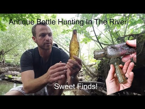 Antique Bottle Hunting In The River - Marshall Metal Detecting