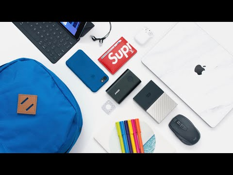 WHAT'S IN MY SCHOOL TECH BAG | 2017