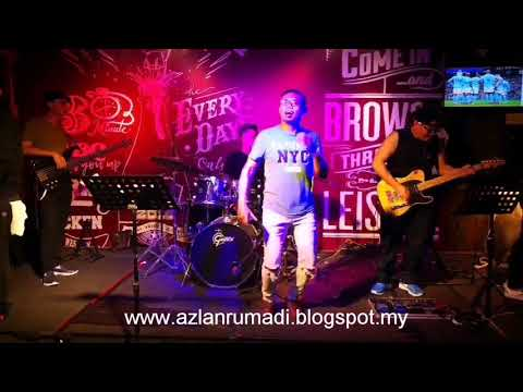 HIGHWAY TO HELL BY SIDE SIXTH BAND AT MOTOWNERS CAFE KUCHING, SARAWAK - APRIL 2018.
