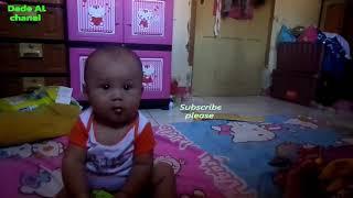 Cute Babies Aged Six Months Can Sit Alone-Dede AL
