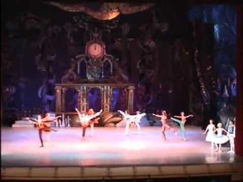 Kiev Ballet - Russian Dance (Nutcracker)  Irina Romanovskaya and Vitaliy Naumov