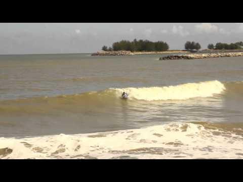Brunei: Surfing/Bodyboard