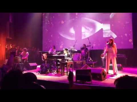 Charly García - Me siento mucho mejor/Asesiname (vivo) - Presentacion Random - 16/3/2017