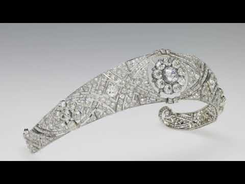 Meghan Wore Queen Mary's Diamond Bandeau Tiara On Her Wedding Day
