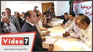 أحمد سليمان ينفعل أثناء تقديم أوراق ترشحه لإنتخابات نادى الزمالك بسبب \