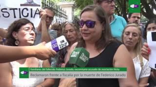 Reclamaron frente a fiscalía por la muerte de Federico Jurado