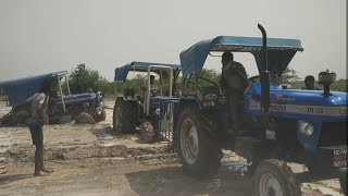 Ye dekho kese Khet m fase huye tractors ko nikalte huye 4 tractors ko nikalte huye