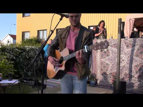 Bruce Springsteen - Thunder Road (Live acoustic cover) @ a Dan Reed House Concert