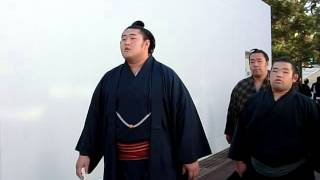 大相撲一月場所初日。 場所入り。