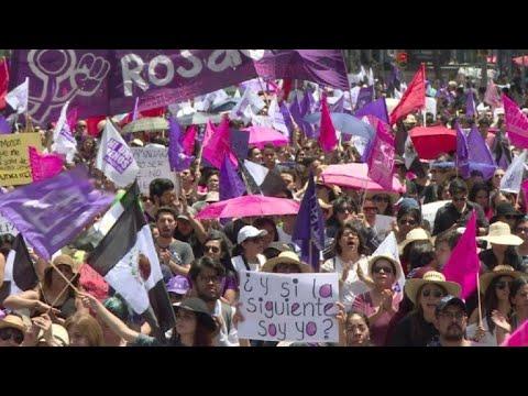 Mexicanas claman por justicia para joven asesinada