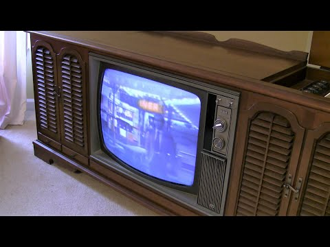 Old 1969 RCA New Vista Color TV  Turned on after 10 years...