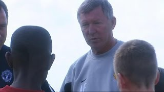 Sir Alex Ferguson Explains The Importance Of Teamwork To 12 Year Old Danny Welbeck In 2003