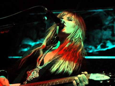 Grace Potter & the Nocturnals - No Expectations (Rolling Stones Cover)