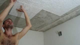 видео Как клеить потолочную плитку правильно из пенопласта и разные способы