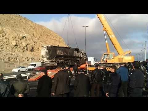 Fuel Truck Crashes In Baku.В Баку перевернулся бензовоз. (1)