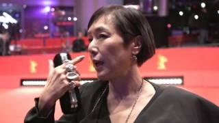 第66回ベルリン国際映画祭レッドカーペット(桃井かおりインタビュー2)