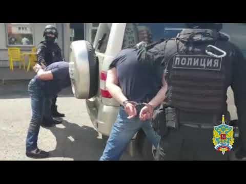 Полицейские задержали подозреваемых в вымогательстве денежных средств в Павловском Посаде