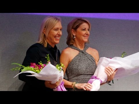 Navratilova meets Evert: Friendly foes reunite