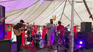 Feet of clay live at Mugstock performing 90s Rave/Techno band N-Joi's Anthem