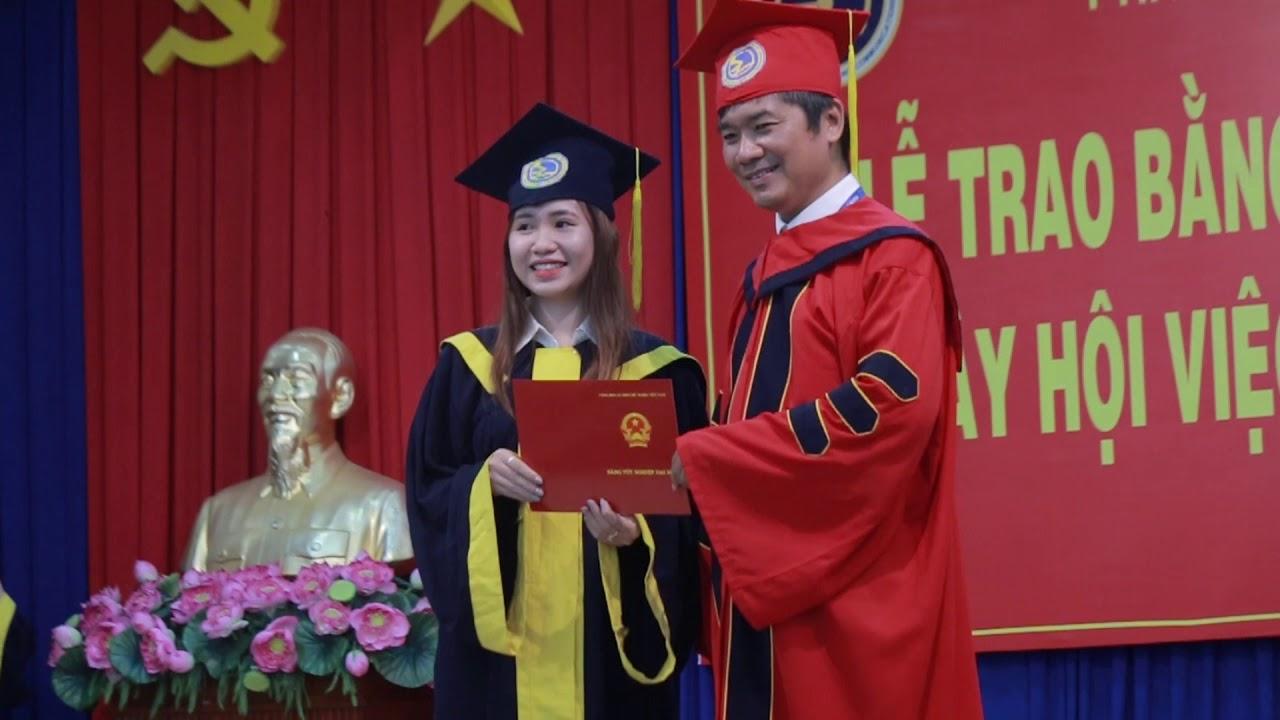 Trao bằng tốt nghiệp Kế toán tổng hợp K54 | Trao bằng tốt nghiệp K54 | 2017.09.01.(29)