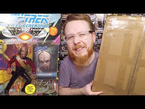 Random Haul Of Star Wars And Star Trek Toys And Action Figures