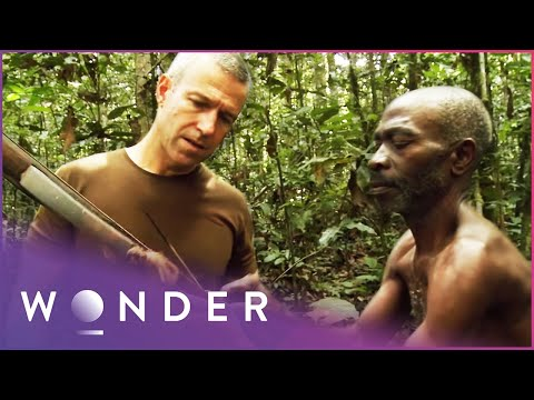 Surviving In The Jungle As Part Of A Tribe | Man Hunt S1 EP3 | Wonder