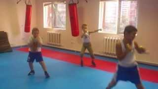 Бокс в  поселке Октябрьском(Группа 16.00 от 7 лет Школа бокса Спортклуб