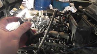 видео Замена натяжителя цепи на ВАЗ 21213, ВАЗ 21214, ВАЗ 2131