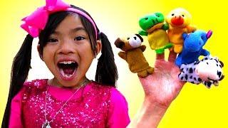 Animal Finger Family Song | Emma Pretend Play Nursery Rhymes & Kid Songs
