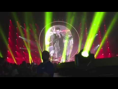 queen adam lambert frankfurt 7 ov to loml up to. Black Bedroom Furniture Sets. Home Design Ideas