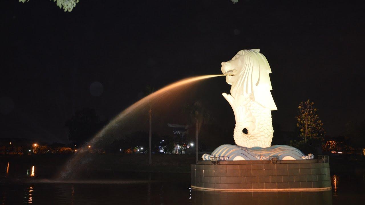 Hasil gambar untuk patung merlion di surabaya