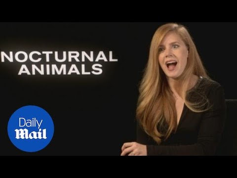 Amy Adams Talks Nocturnal Animals With 'twin' Isla Fisher - Daily Mail