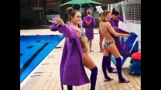Украинские синхронистки танцуют стриптиз