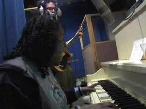 """Sharon Jones & the Dap-Kings """"Answer Me"""" Live Recording"""